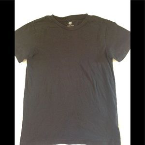 Boys size 10-12 H&M basic organic cotton t-shirt